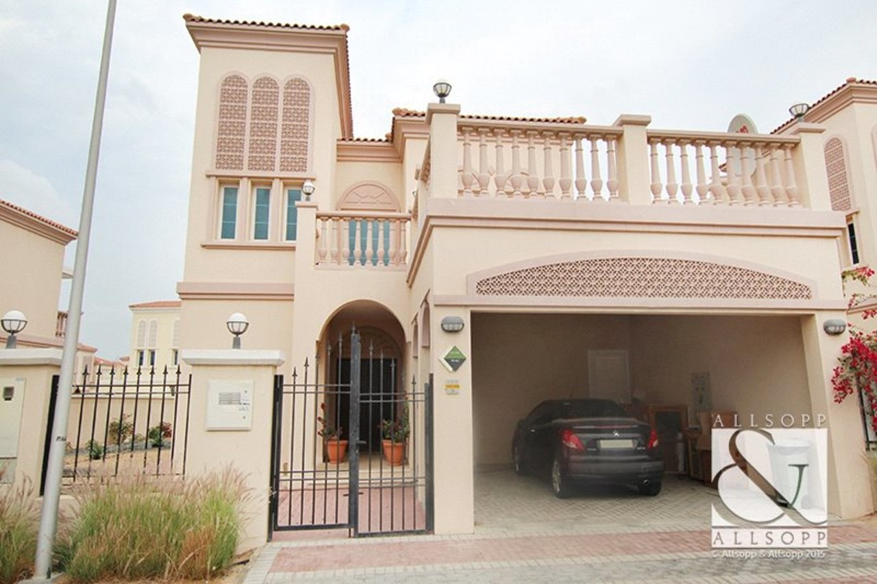 villa-to-rent-in-jvt--jumeirah-village-triangle-dubai-DUB140021-view1