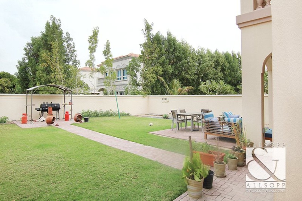 villa-to-rent-in-jvt--jumeirah-village-triangle-dubai-DUB140021-view3