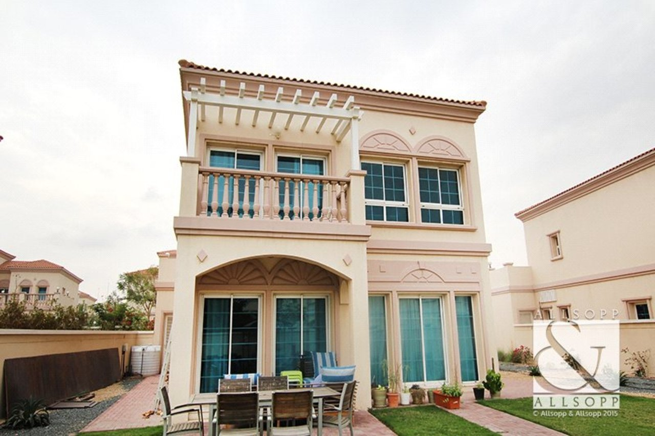 villa-to-rent-in-jvt--jumeirah-village-triangle-dubai-DUB140021-view2
