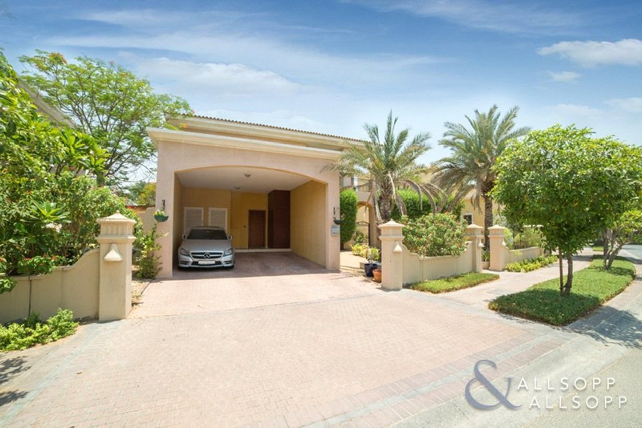 villa-withdrawn-in-mirador-dubai-DUB150445-view16