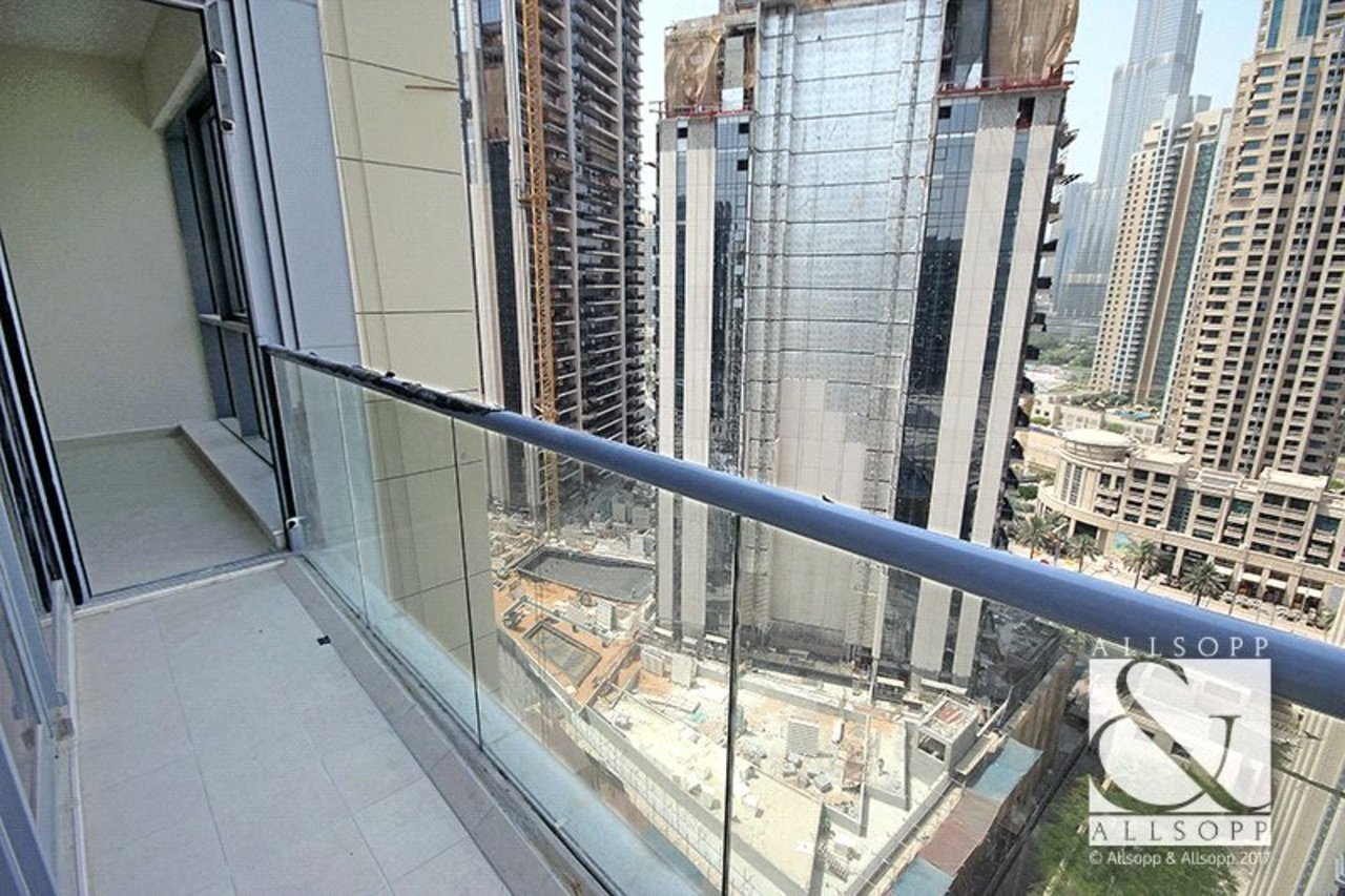 apartment-to-rent-in-bahwan-tower-downtown-dubai-PJM181030-view3