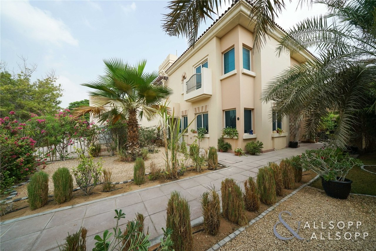 villa-withdrawn-in-carmen-dubai-SUP151108-view6