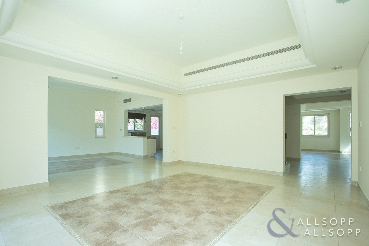 villa-withdrawn-in-carmen-dubai-SUP151108-view11