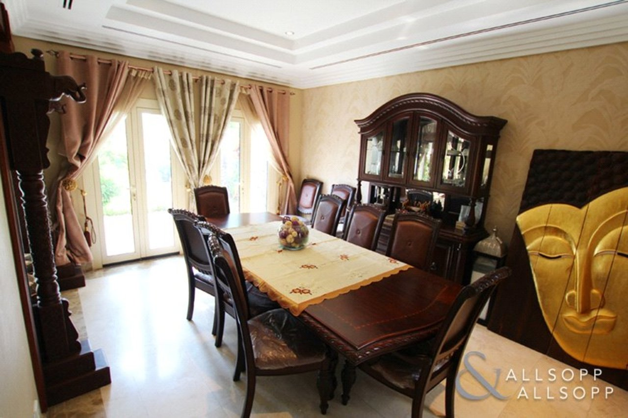 villa-withdrawn-in-meadows-7-dubai-SUP176329-view6