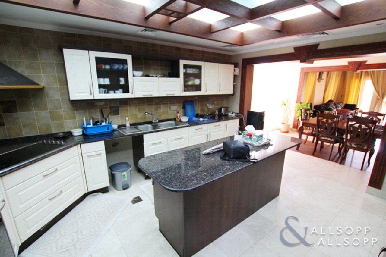 villa-withdrawn-in-meadows-7-dubai-SUP176329-view3