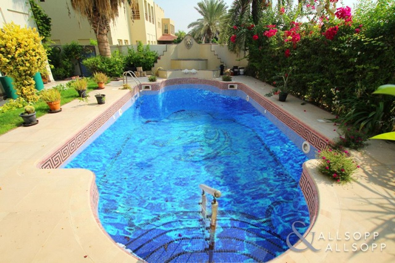 villa-withdrawn-in-meadows-7-dubai-SUP176329-view7