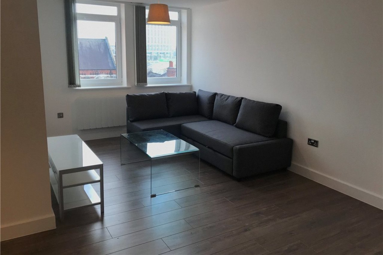 apartment-to-rent-in-coventry-city-centre-uk-CLT170078-view2