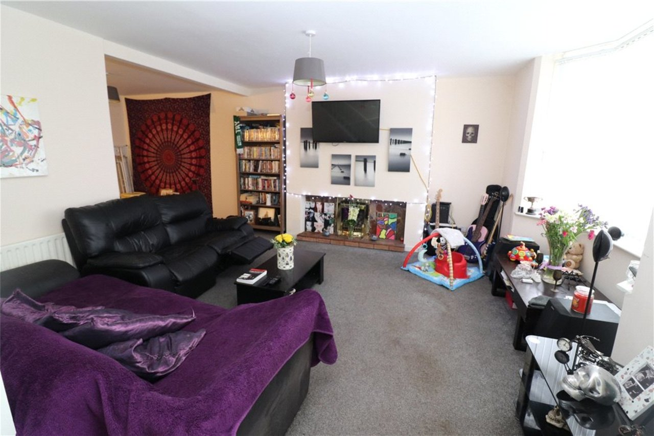 house-sold-in-holbrooks-uk-COV190695-view2